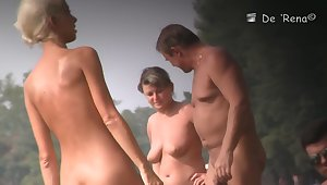 Keen-edged blonde babe caught naked beyond the seashore
