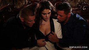Erotic light-footed threesome sex glaze featuring Italian babe Valentina Nappi